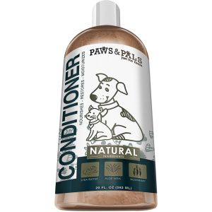 Paws & Pals Natural Shampoo-Conditioner Scrub for Dogs & Cats - Moisurizes, Deodorizes, Detangles Fur Coat